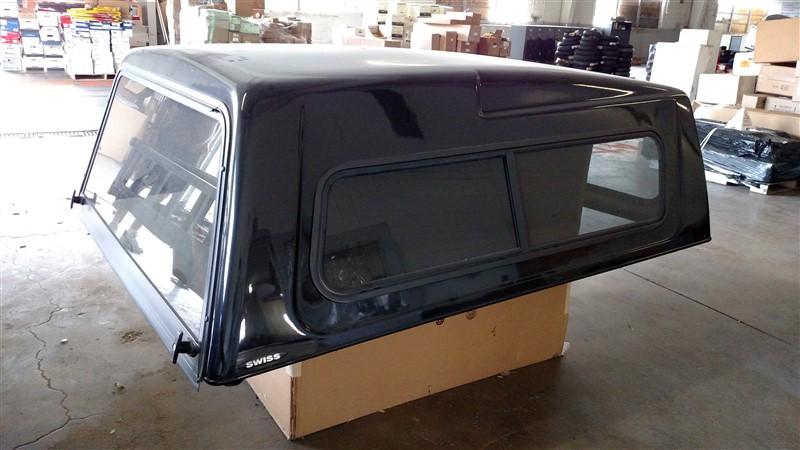 Lot 10 - Dodge 4-Door Pickup Short Bed Cap