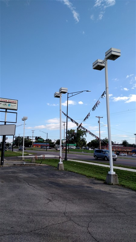 Lot 34 - (2) Light Poles / (2) Lamps (each) - (2 x Bid)