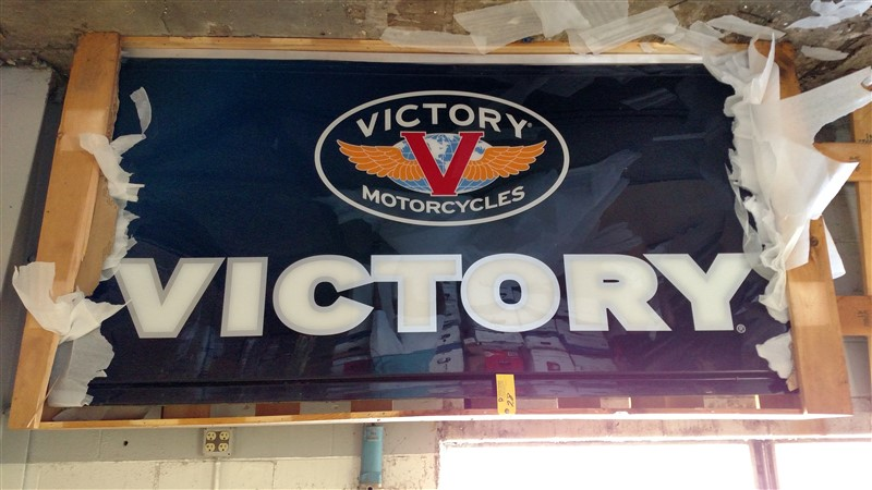 Lot 28 - New Victory Sign