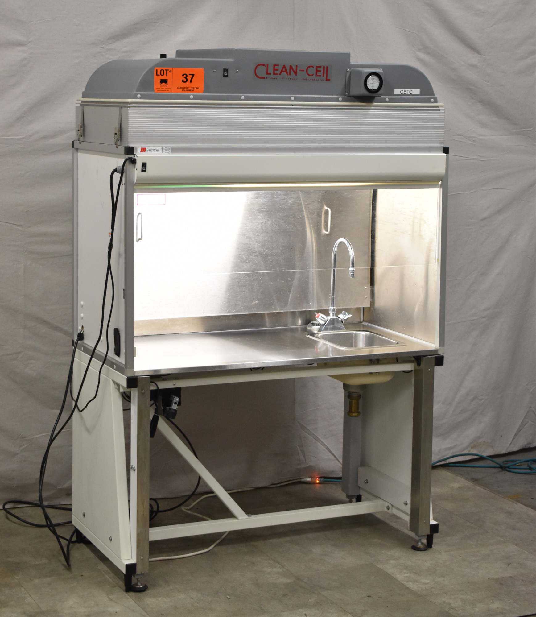MICROZONE CLEAN-CEIL FFM-2-4--WA PORTABLE LAB EXHAUST HOOD WITH MICROZONE HEPA FILTRATION , - Image 2 of 8
