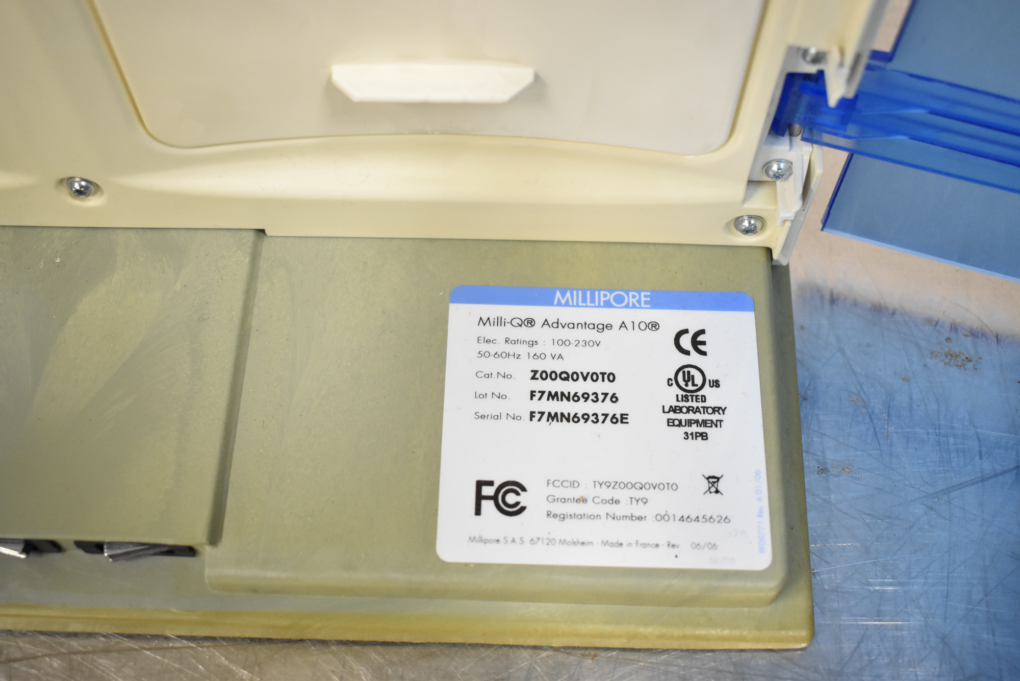 MILLIPORE MILLI-Q ADVANTAGE A10 BENCH TYPE DIGITAL WATER PURIFICATION SYSTEM, S/N F7MN699376E [$25 - Image 5 of 5