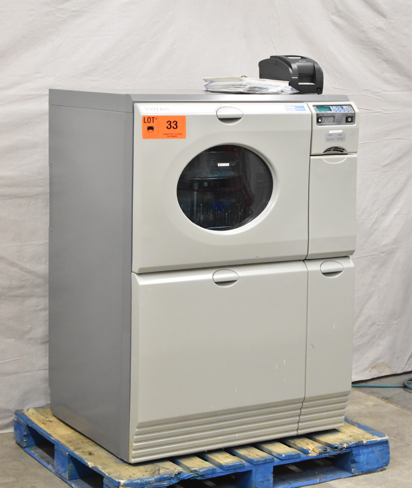 STERIS RELIANCE 250 ULTRA WASH PLUS LABORATORY GLASSWARE WASHER WITH DIGITAL TOUCH SCREEN CONTROL, - Image 2 of 7