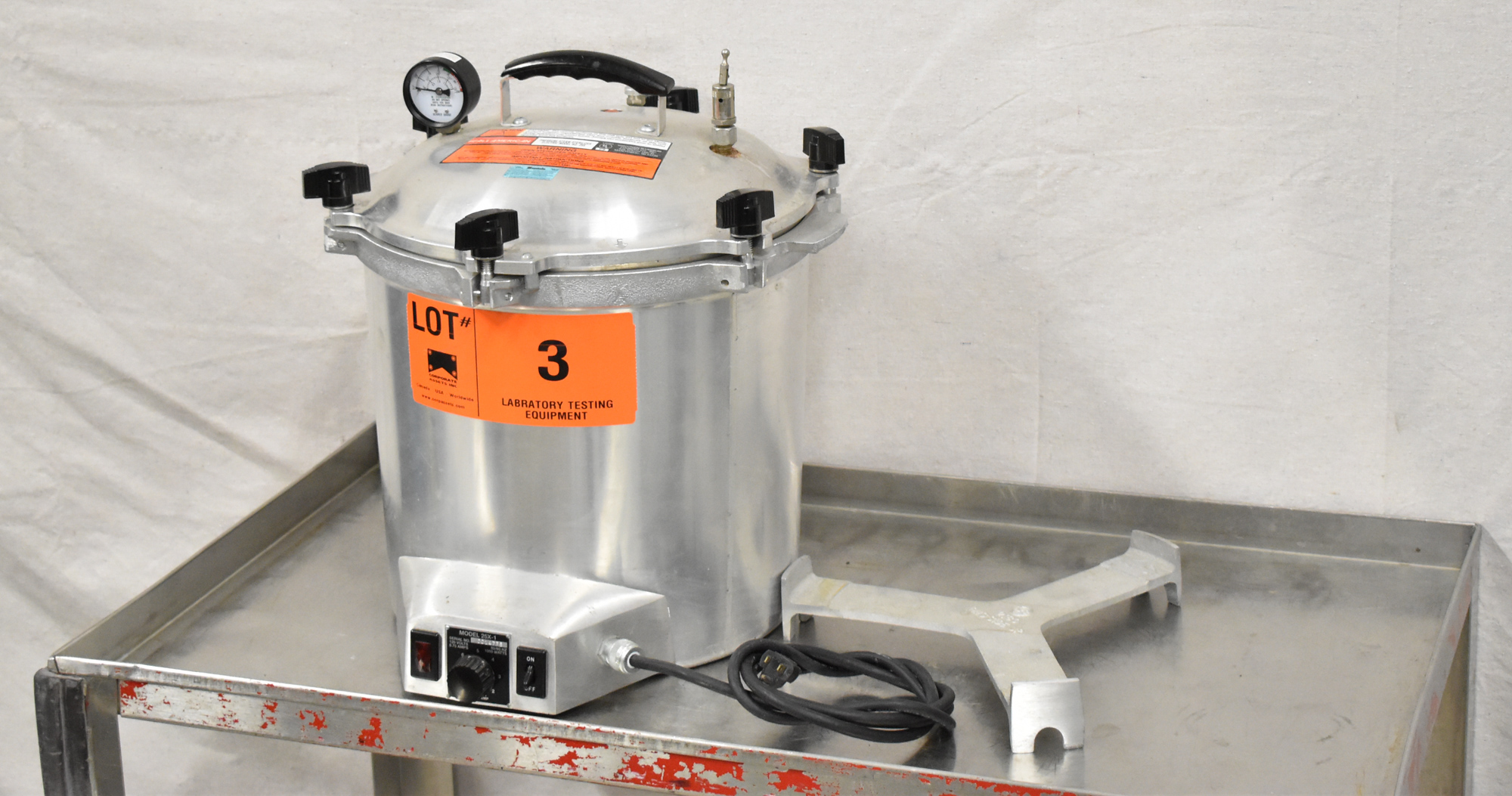 """ALL AMERICAN 25X-1 ELECTRIC PRESSURE STEAM STERILIZER WITH 11.5"""" DIAMETER AND 8"""" ALUMINUM POT, 260 - Image 2 of 4"""