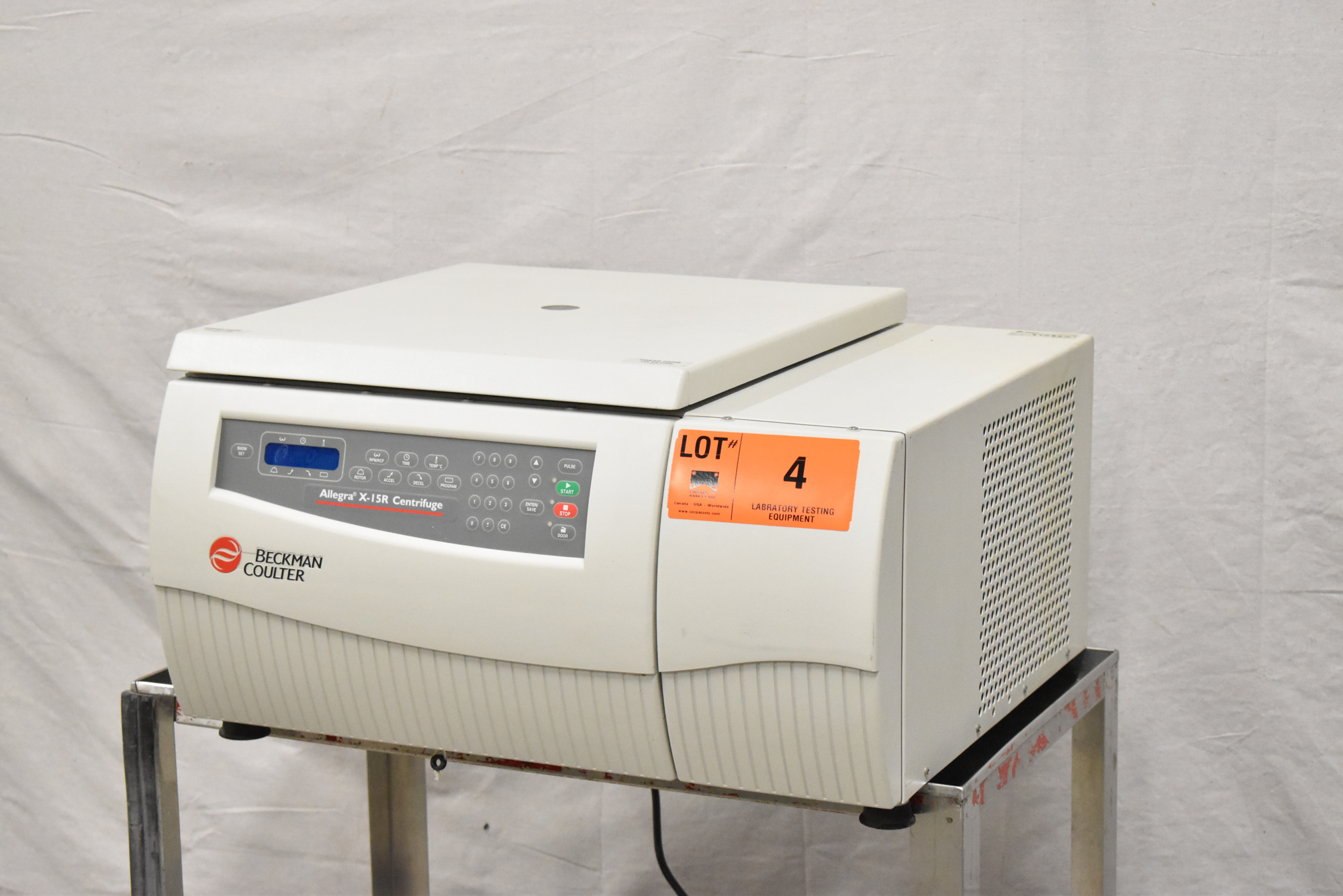 BECKMAN COULTER ALLEGRA X-15R BENCHTOP CENTRIFUGE WITH DIGITAL PROGRAMMABLE MICROPROCESSOR - Image 3 of 14