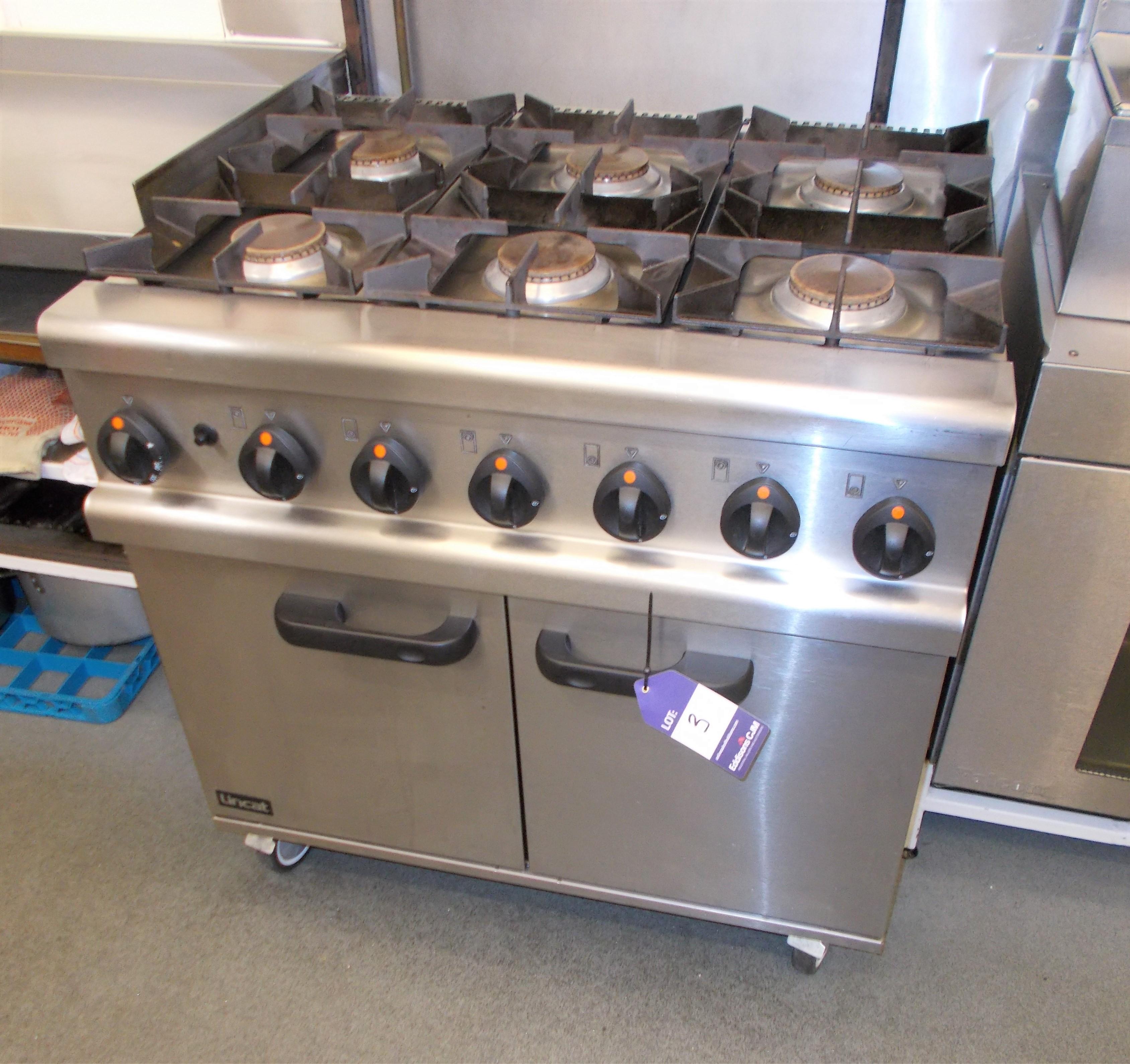 Lincat 6 hob double door mobile gas oven. Dimensions: W: 3ft x D: 2ft 5 x H: 3ft *Please note, it is