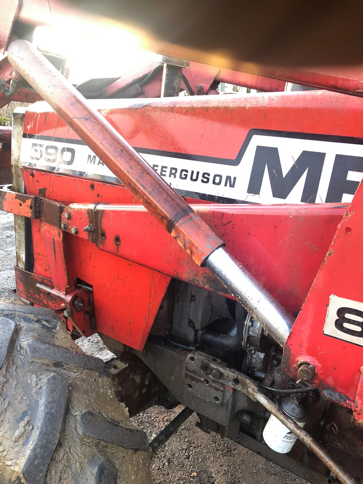 Lot 22 - MASSEY FERGUSON 590 TRACTOR, 4 WHEEL DRIVE, ROAD REGISTERED, RUNS, WORKS LIFTS *PLUS VAT*