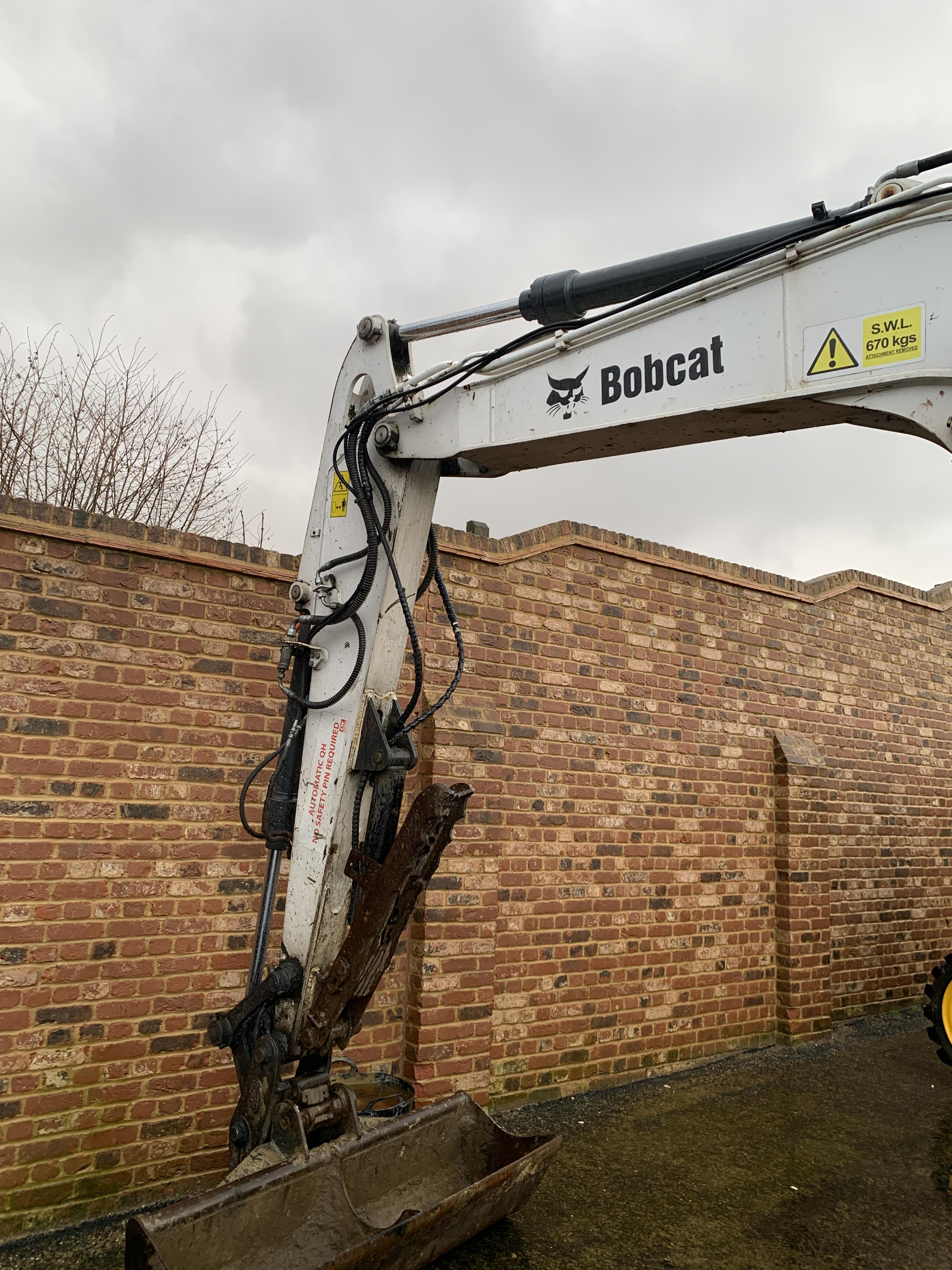 BOBCAT E80 TRACKED CRAWLER EXCAVATOR / DIGGER, C/W HYDRAULIC THUMB, YEAR 2012, RUNS, WORKS AND DIGS - Image 7 of 7