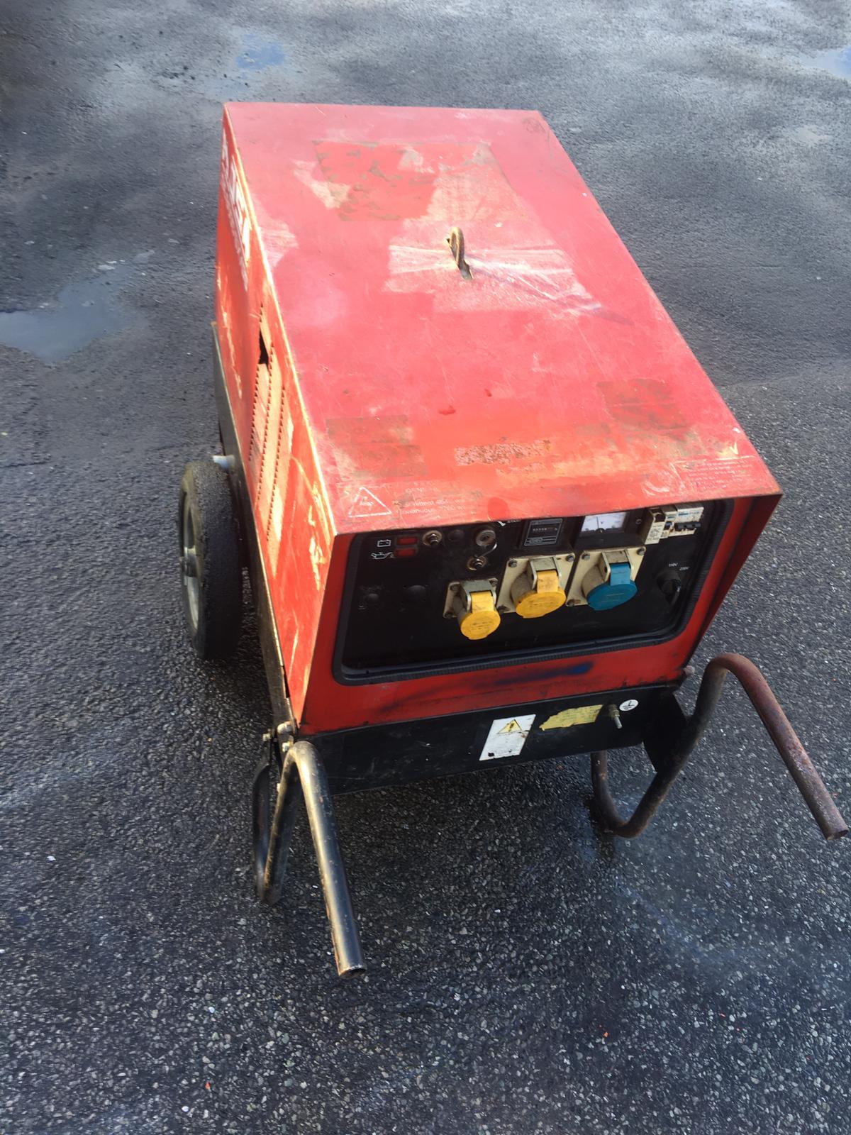 Lot 86 - MOSA GE 6000 SX/GS SUPER SILENCED WHEELED GENERATOR, 6 KVA, 3000 RPM, 50 Hz, RUNS AND WORKS *NO VAT*
