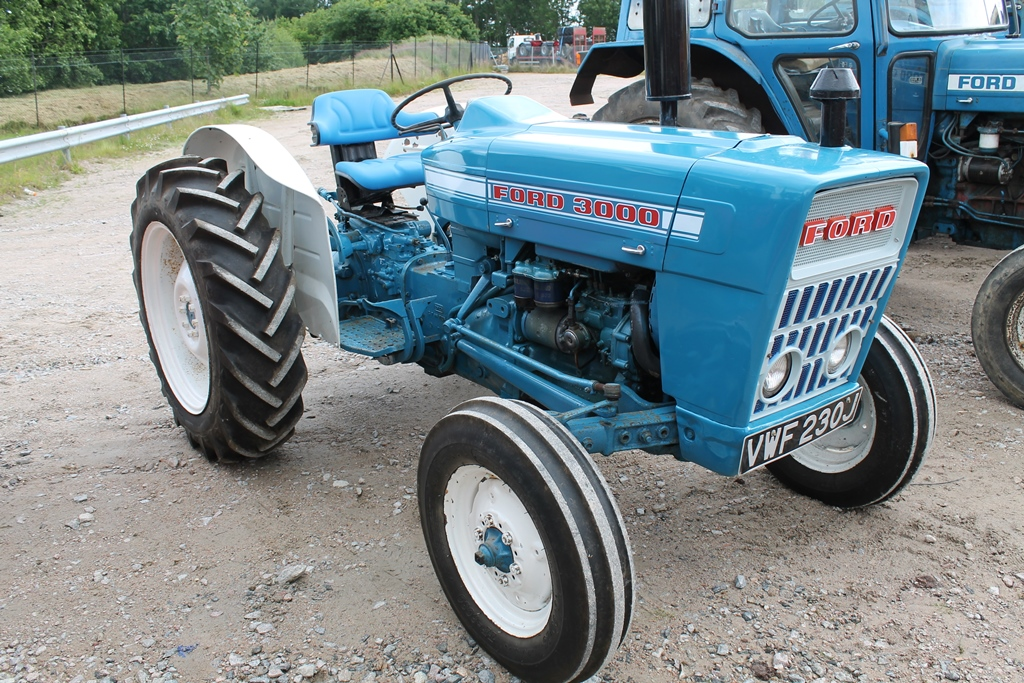 4 Door Tractor : Ford tractor cc door reg no vwf j d