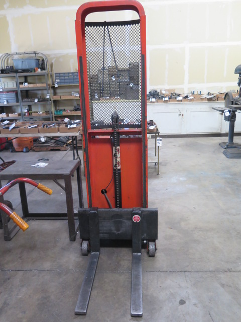 Presto mdl. C62 1000 Lb Cap Electric/Hydraulic Pallet Mover s/n 157597 - Image 2 of 3