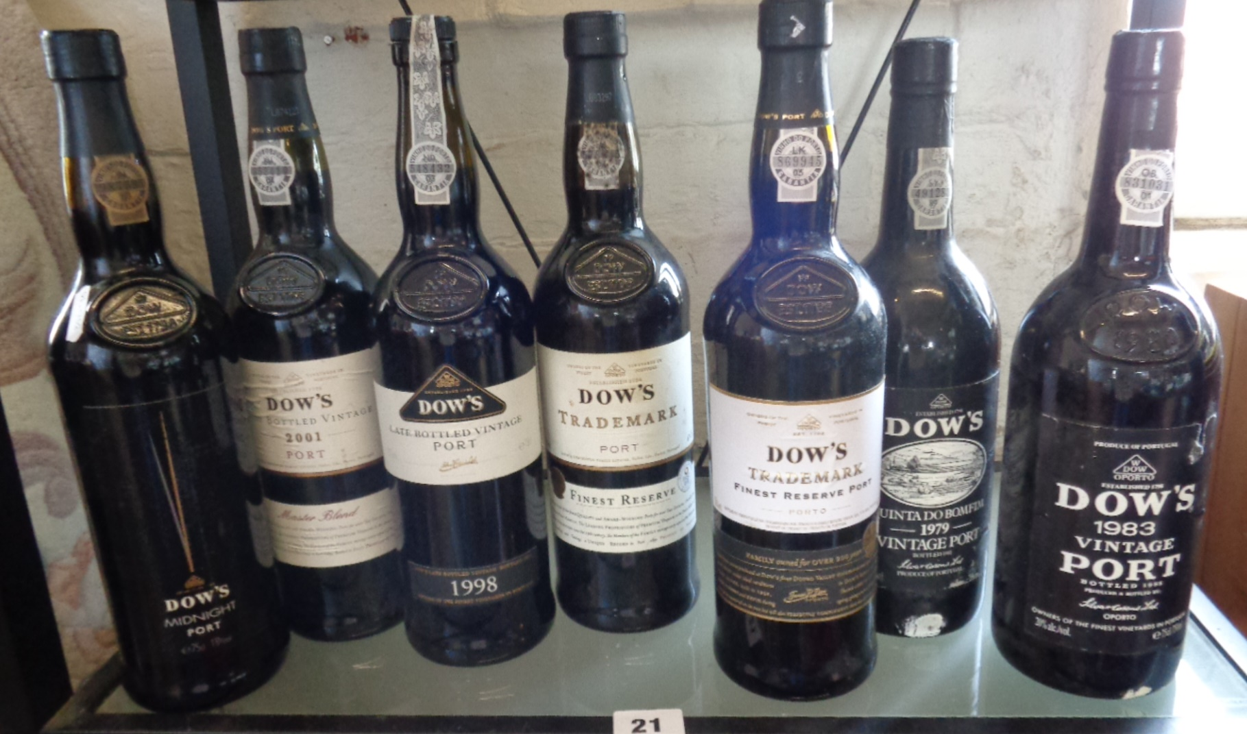 Lot 21 - Bottles of Dow's vintage port x 7, 2001, 1998, Trademark x 2, Midnight Port, 1979 and 1983