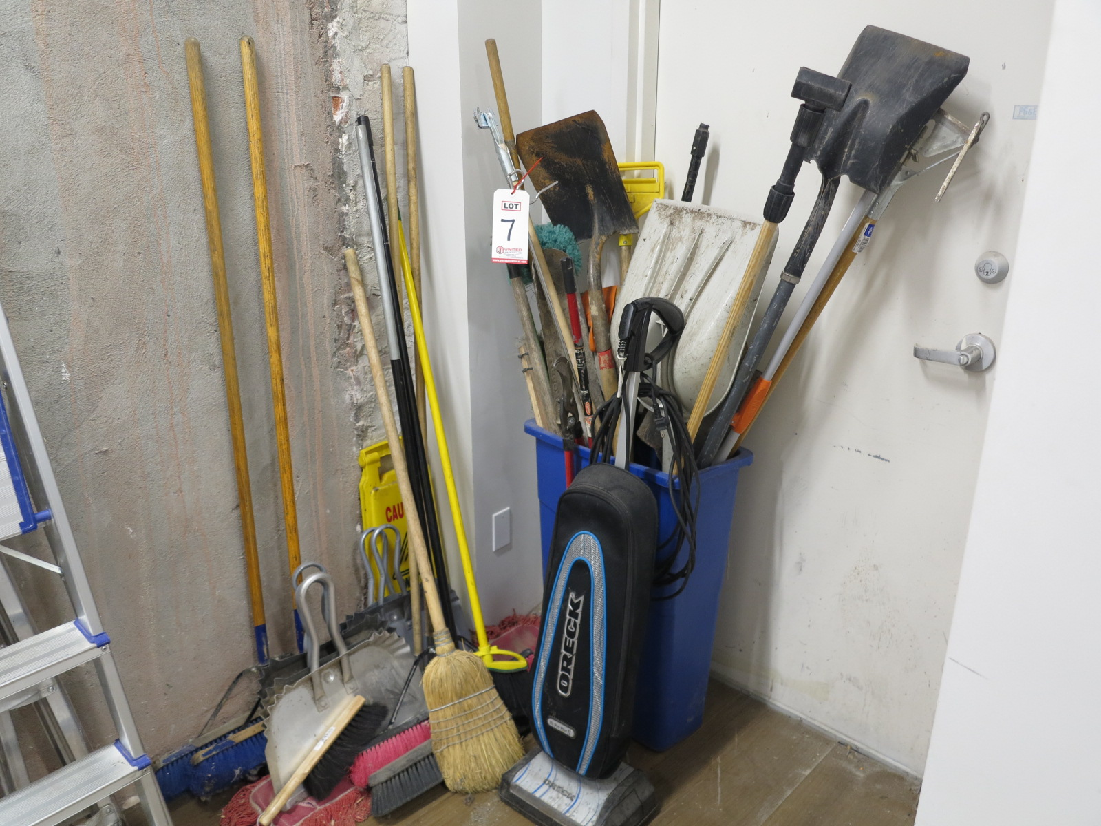 Lot 7 - LOT - BROOMS, SHOVELS, DUST MOPS, VACUUM, DUST PANS