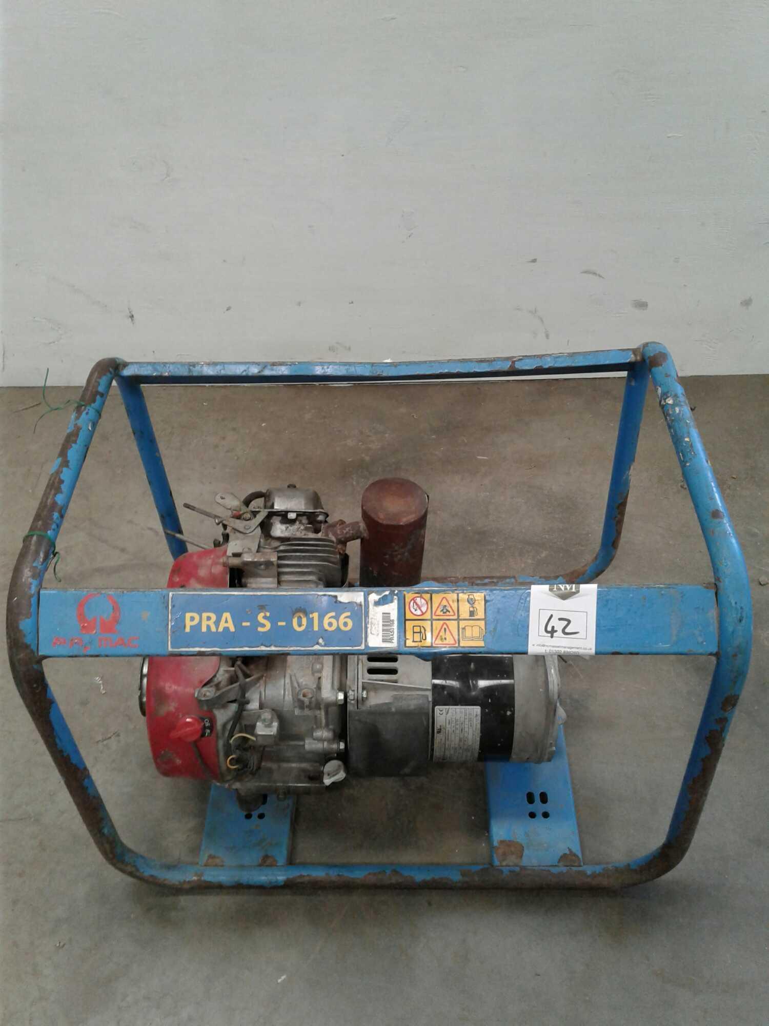 Lot 42 - 2.4 kVA petrol generator