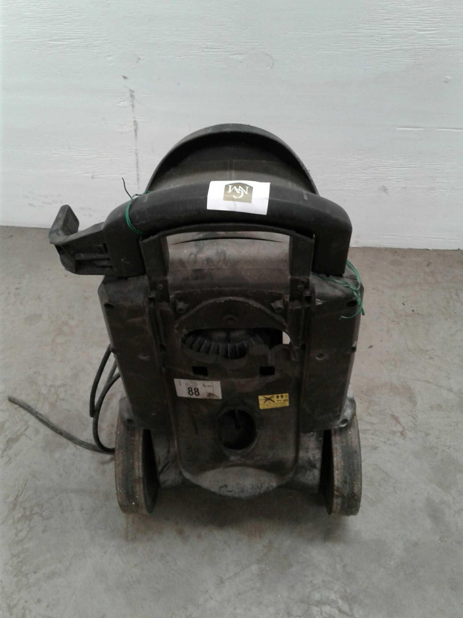 Lot 48 - Karcher power washer