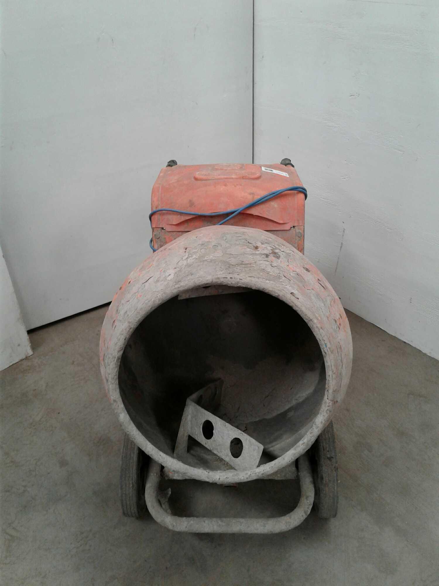 Lot 1 - Belle minimix 150 concrete mixer 230v