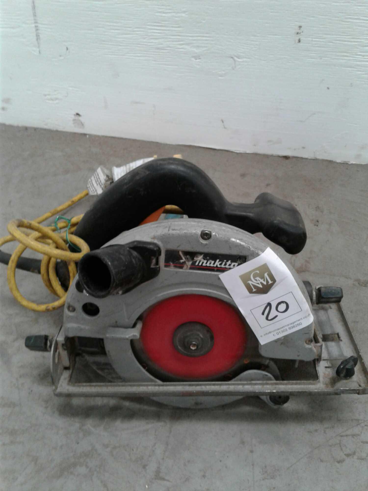Lot 20 - Makita circular saw 110 v