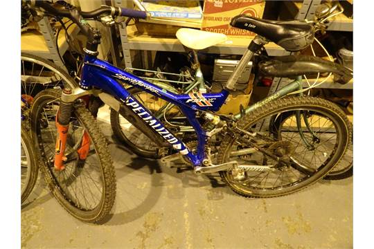 Specialized FSR XC blue Stump Jumper bike with front and