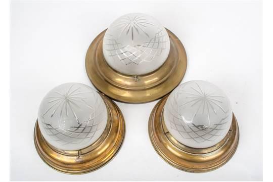 Plafoniere Ottone : Tre plafoniere in ottone con bocce vetro primi misure