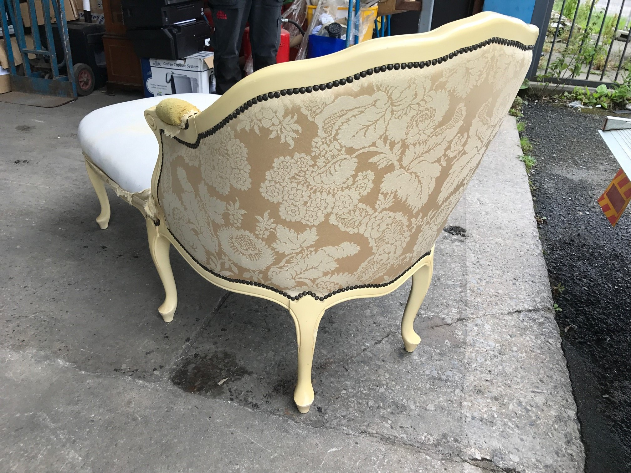 Antique reproduction truggelmann chaise lounge needs for Antique reproduction chaise lounge