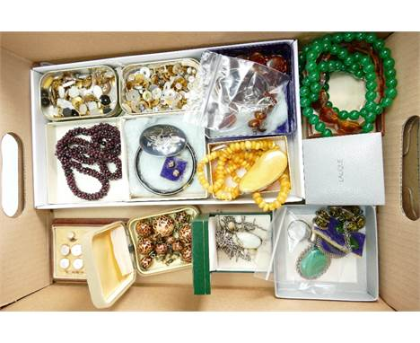Good collection of costume & gem set jewellery with some silver: Includes silver Neilo ware brooch, silver mounted larger pen