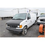 FORD (2005) E150 CARGO VAN WITH 4.8 LITER V8 GAS ENGINE, RWD, AUTO, S/N VIN 1FTRE14W05HA97612