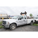 FORD (2005) F250 SUPER DUTY PICKUP TRUCK WITH 5.4 LITER V8 GAS ENGINE, RWD, AUTO, DIRECTIONAL