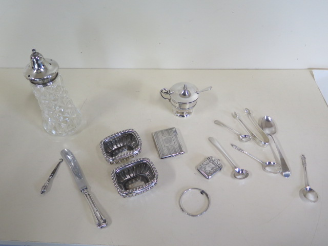 Assorted silver items, including a Vesta, masonic match case, weighable silver approx 7 troy oz