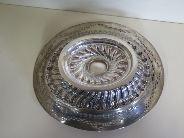 An embossed silver basket with pierced border, Birmingham 1895/96 approx 21.4 toy oz, 24cm tall with - Image 7 of 7
