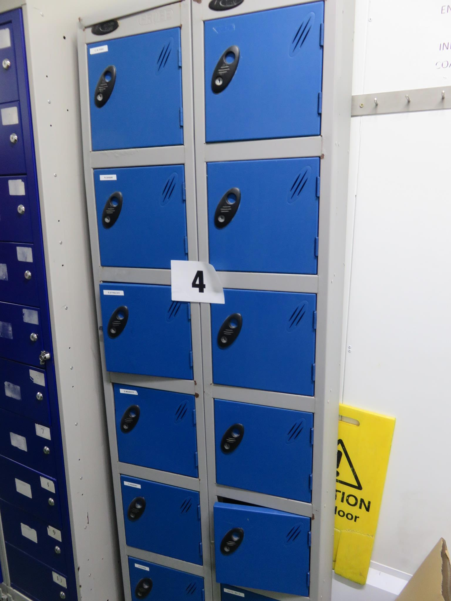 Lot 4 - 1 x Locker with 12 individual compartments. Lift out £10