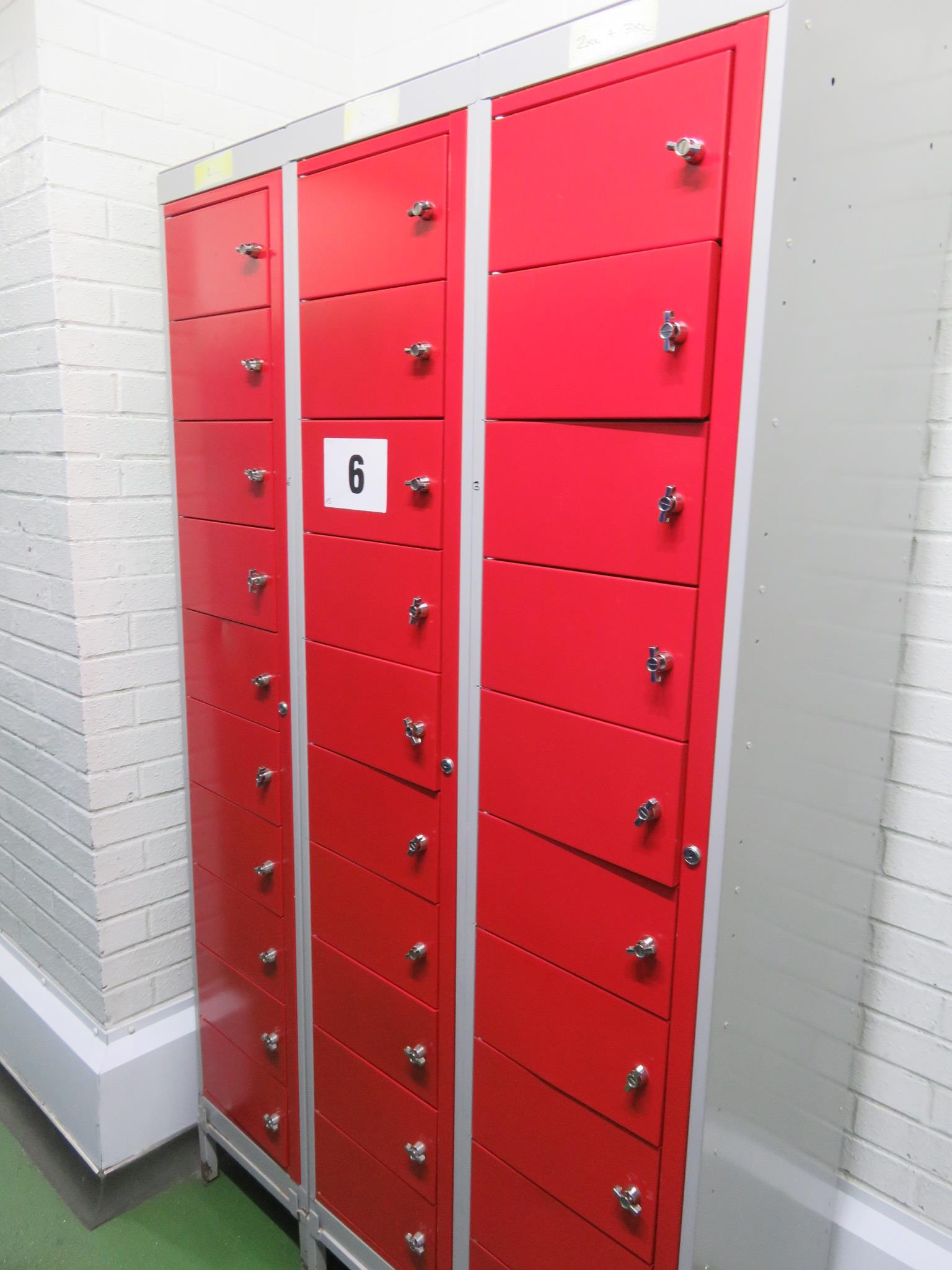 Lot 6 - 3 x Lockers with 10 compartments each. Lift out £15